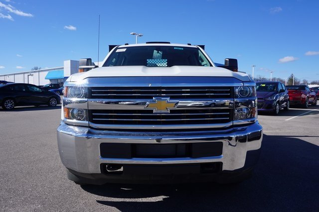 2016 Silverado 3500 Crew Cab 4x4, Reading Platform Body #A900110 - photo 8