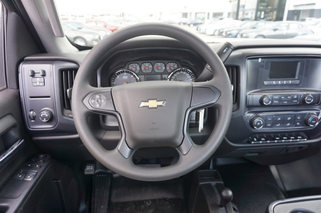 2017 Silverado 3500 Regular Cab 4x4, Cab Chassis #A900146 - photo 11