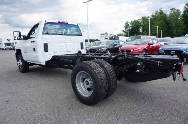 2017 Silverado 3500 Regular Cab DRW 4x4 Cab Chassis #A900146 - photo 2