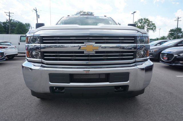 2017 Silverado 3500 Regular Cab DRW 4x4 Cab Chassis #A900146 - photo 8