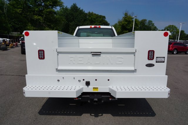 2017 Silverado 3500 Regular Cab 4x4, Reading Service Body #A900161 - photo 4