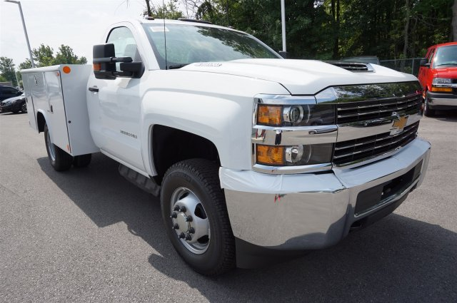 2017 Silverado 3500 Regular Cab 4x4, Reading Service Body #A900161 - photo 7