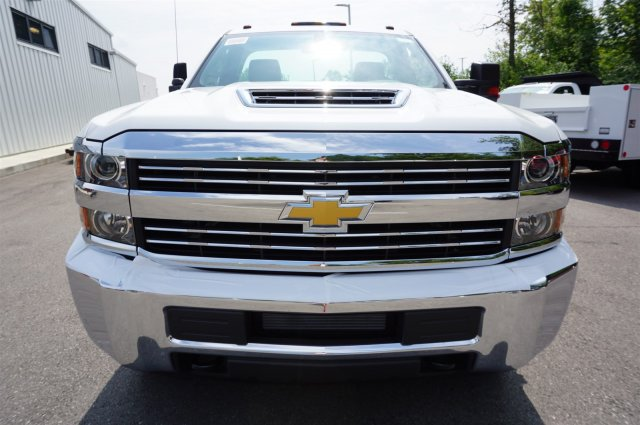 2017 Silverado 3500 Regular Cab 4x4, Reading Service Body #A900161 - photo 8
