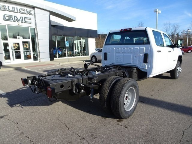 2017 Sierra 3500 Crew Cab DRW 4x4, Duramag Platform Body #X20480 - photo 2