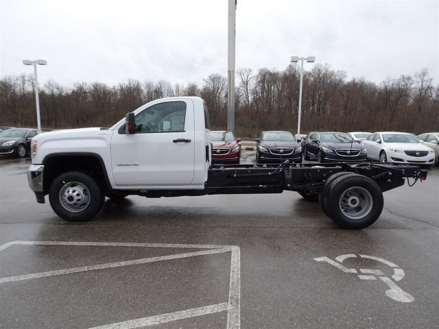 2017 Sierra 3500 Regular Cab DRW 4x4 Cab Chassis #X20492 - photo 3