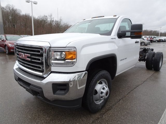 2017 Sierra 3500 Regular Cab DRW 4x4 Cab Chassis #X20492 - photo 9