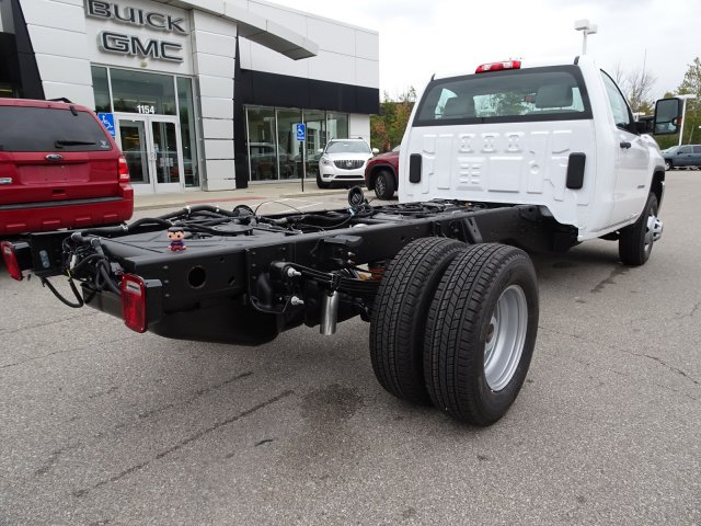2018 Sierra 3500 Regular Cab DRW 4x4, Cab Chassis #X20538 - photo 2