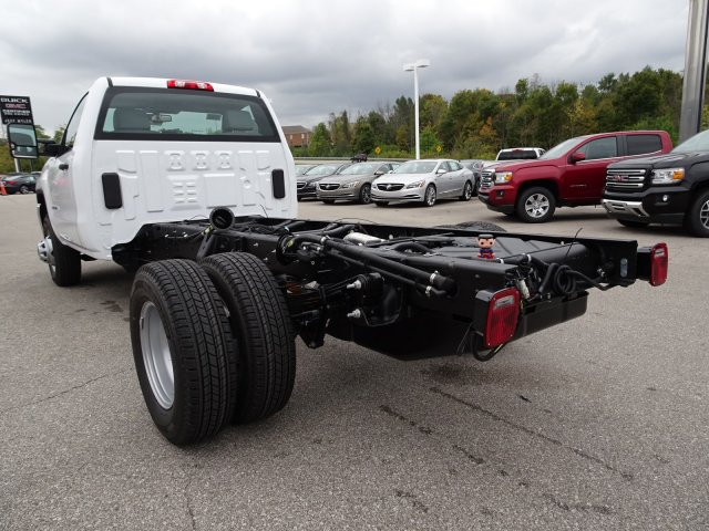 2018 Sierra 3500 Regular Cab DRW 4x4, Cab Chassis #X20538 - photo 6
