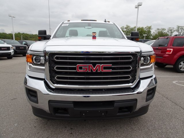 2018 Sierra 3500 Regular Cab DRW 4x4, Cab Chassis #X20540 - photo 10