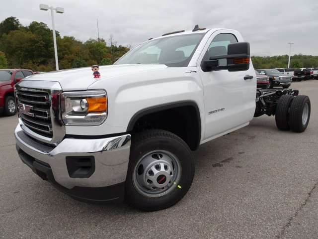 2018 Sierra 3500 Regular Cab DRW 4x4, Cab Chassis #X20540 - photo 8