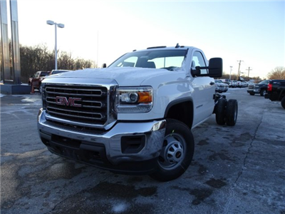 2018 Sierra 3500 Regular Cab DRW 4x4 Cab Chassis #X20560 - photo 10
