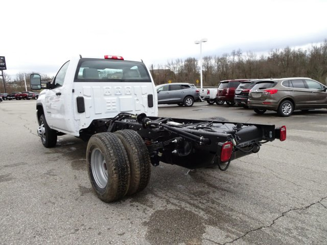 2018 Sierra 3500 Regular Cab DRW 4x4, Cab Chassis #X20571 - photo 11