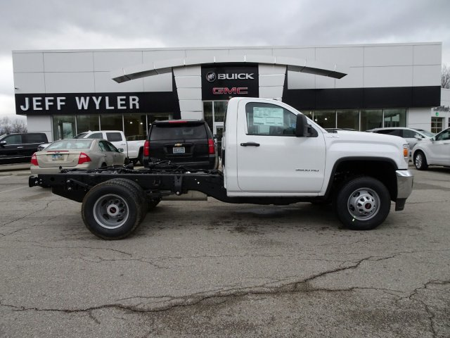 2018 Sierra 3500 Regular Cab DRW 4x4, Cab Chassis #X20571 - photo 2