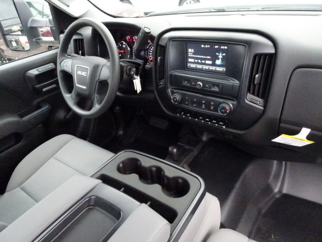 2018 Sierra 3500 Regular Cab DRW 4x4, Cab Chassis #X20571 - photo 7