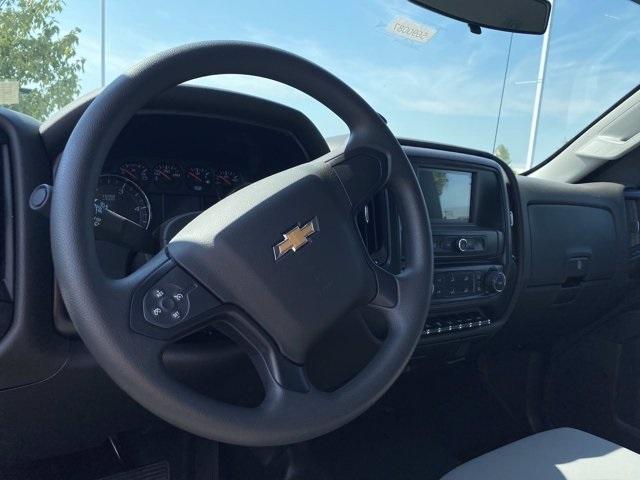 2020 Silverado 5500 Regular Cab DRW 4x2,  Knapheide Value-Master X Platform Body #5690087 - photo 5