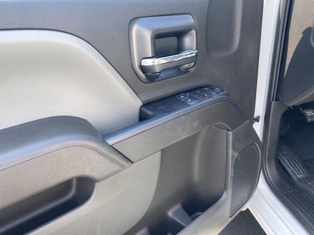 2020 Silverado 5500 Regular Cab DRW 4x2,  Knapheide Value-Master X Platform Body #5690087 - photo 7