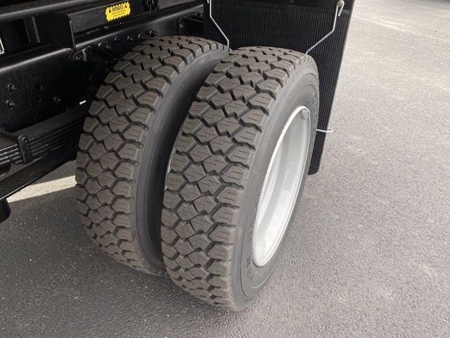 2020 Silverado 5500 Crew Cab DRW 4x2,  Monroe Truck Equipment MTE-Zee Dump Body #5690220 - photo 12