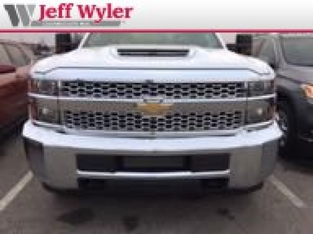 2019 Silverado 3500 Crew Cab 4x2,  Pickup #569039 - photo 3