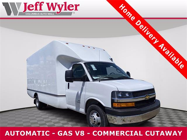 2021 Chevrolet Express 4500 DRW 4x2, Unicell Cutaway Van #5690399 - photo 1
