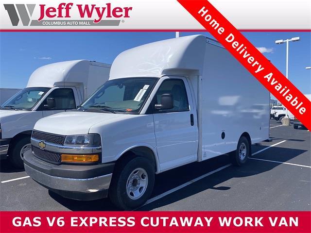 2021 Chevrolet Express 3500 4x2, Supreme Cutaway Van #5690444 - photo 1