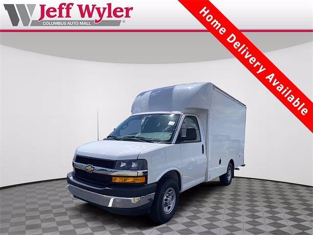 2021 Chevrolet Express 3500 4x2, Supreme Cutaway Van #5690489 - photo 1