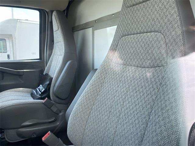 2021 Chevrolet Express 3500 4x2, Supreme Spartan Cargo Cutaway Van #5690489 - photo 7