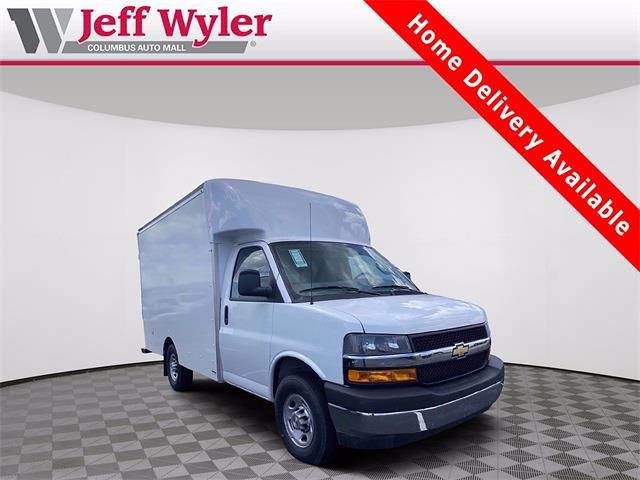 2021 Chevrolet Express 3500 4x2, Supreme Cutaway Van #5690494 - photo 1