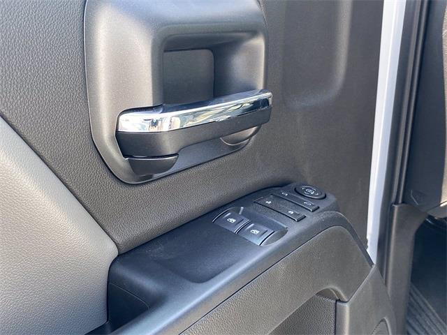 2020 Silverado 5500 Regular Cab DRW 4x4,  Crysteel E-Tipper Dump Body #5690681 - photo 10