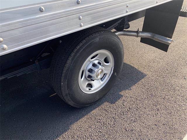 2021 Express 3500 4x2,  Supreme Cutaway Van #5690696 - photo 3