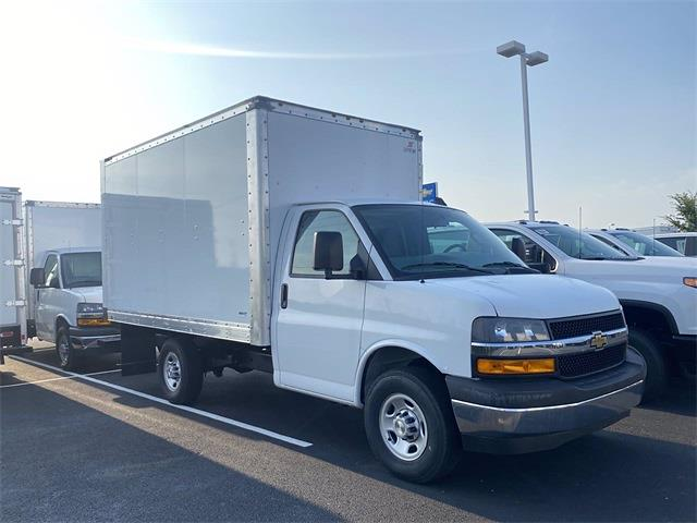 2021 Express 3500 4x2,  Supreme Cutaway Van #5690700 - photo 4