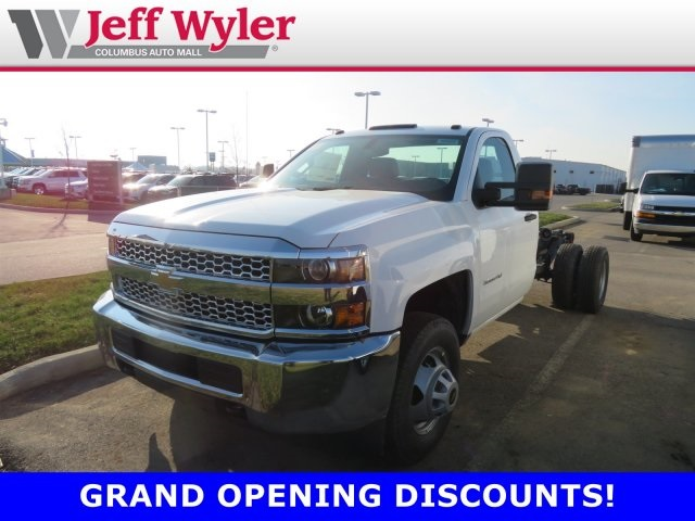 2019 Silverado 3500 Regular Cab DRW 4x4,  Cab Chassis #569078 - photo 1