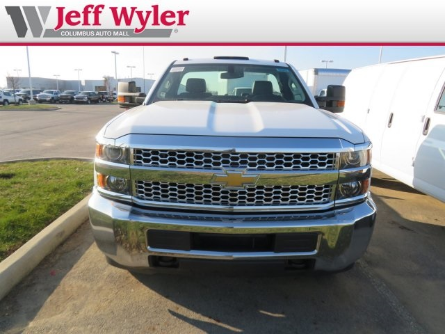 2019 Silverado 3500 Regular Cab DRW 4x4,  Cab Chassis #569078 - photo 3