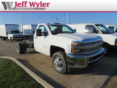 2019 Silverado 3500 Regular Cab DRW 4x4,  Cab Chassis #569078 - photo 4