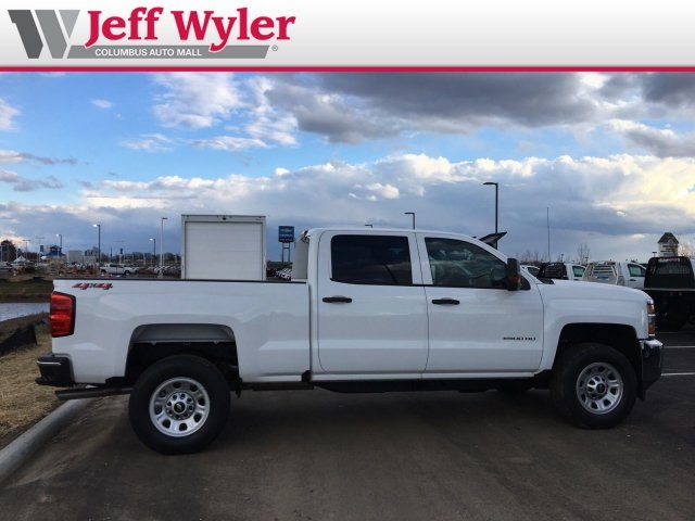2019 Silverado 2500 Crew Cab 4x4,  Pickup #569083 - photo 5