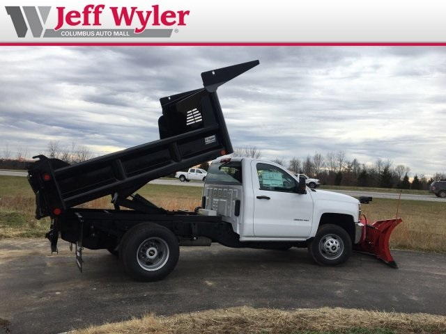 2019 Silverado 3500 Regular Cab DRW 4x4,  Crysteel Dump Body #569098 - photo 10