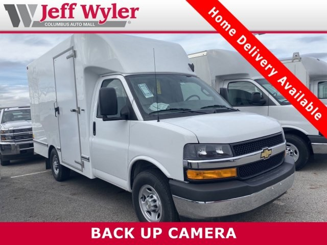 2019 Chevrolet Express 3500 4x2, Unicell Cutaway Van #569530 - photo 1