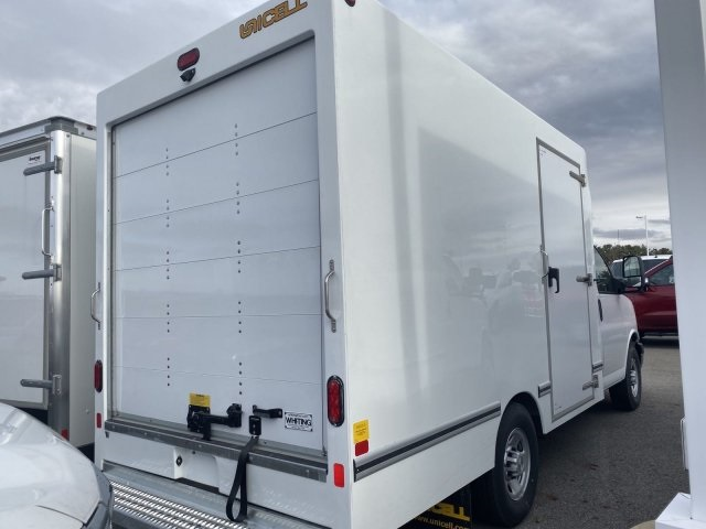 2019 Chevrolet Express 3500 4x2, Unicell Cutaway Van #569530 - photo 1