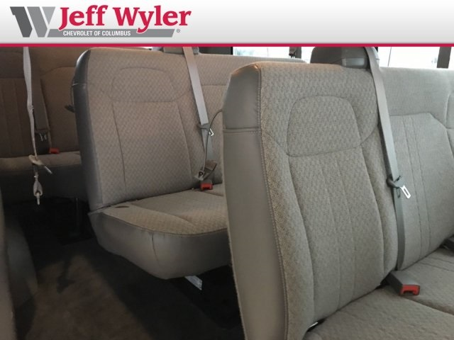 2014 Savana 2500 4x2,  Passenger Wagon #56T5156 - photo 19
