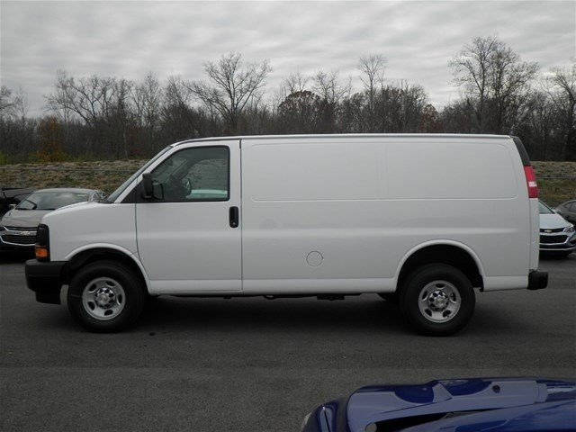 2017 Express 3500 Cargo Van #S90581 - photo 9