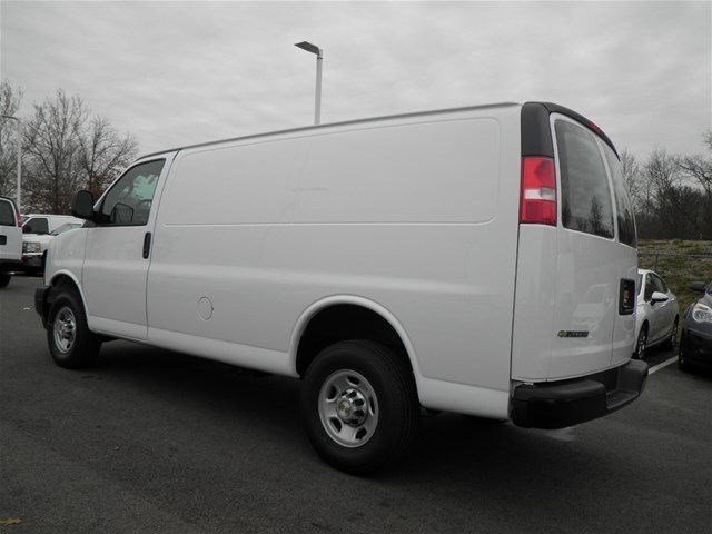 2017 Express 3500 Cargo Van #S90586 - photo 3
