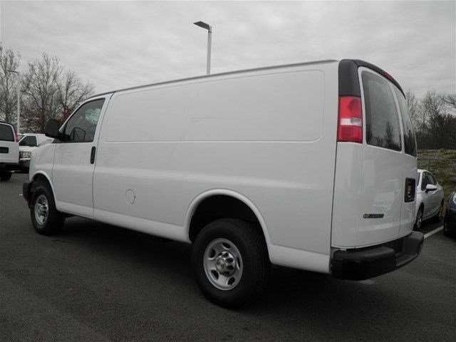 2017 Express 3500 Cargo Van #S90590 - photo 3