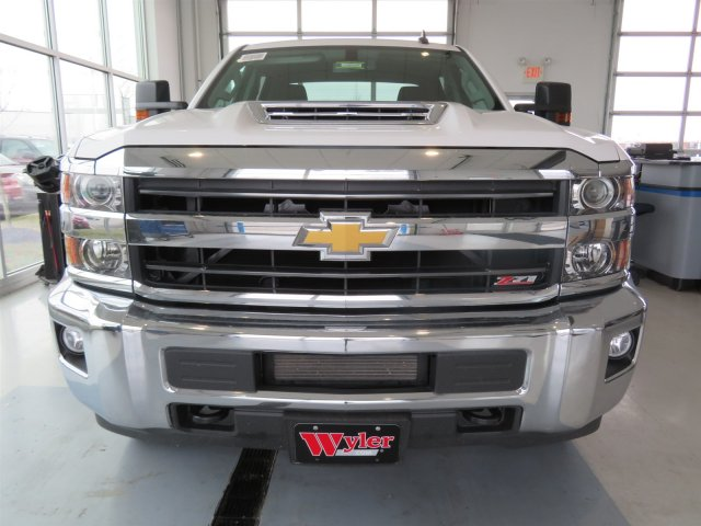 2018 Silverado 2500 Crew Cab 4x4 Pickup #S90598 - photo 3