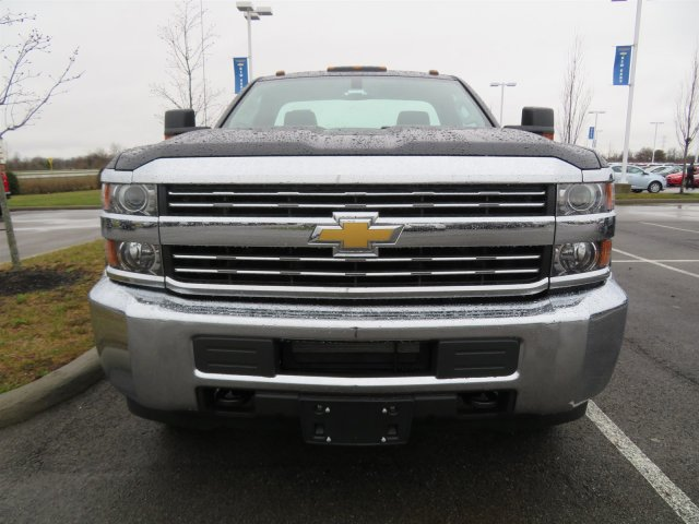 2018 Silverado 3500 Regular Cab DRW 4x4, Cab Chassis #S90650 - photo 3