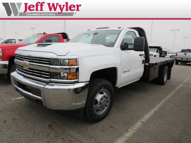 2018 Silverado 3500 Regular Cab DRW 4x4,  Knapheide PGNB Gooseneck Platform Body #S90733 - photo 4
