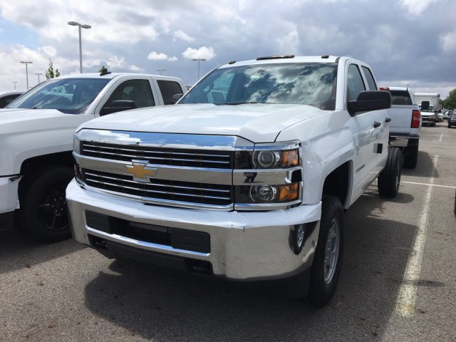 2018 Silverado 2500 Double Cab 4x4, Cab Chassis #S90821 - photo 4