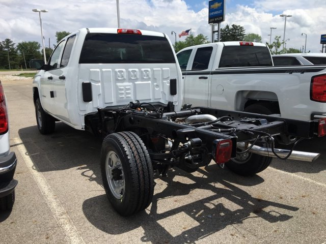 2018 Silverado 2500 Double Cab 4x4, Cab Chassis #S90821 - photo 6