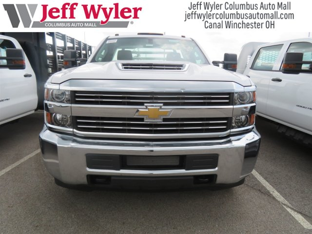 2018 Silverado 3500 Regular Cab DRW 4x4,  Hillsboro Platform Body #S90854 - photo 3