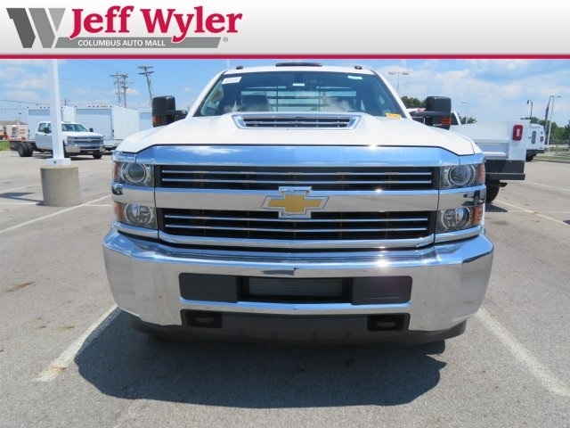 2018 Silverado 3500 Regular Cab DRW 4x4,  Hillsboro Platform Body #S90865 - photo 3