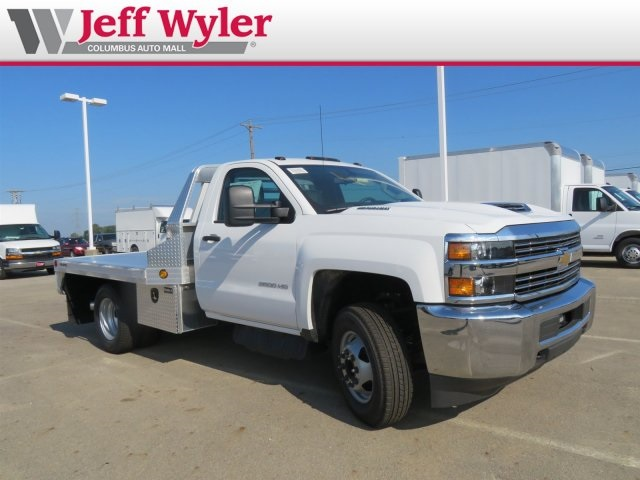 2018 Silverado 3500 Regular Cab DRW 4x2,  Hillsboro Platform Body #S90929 - photo 4