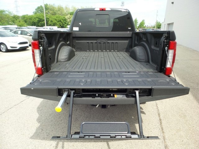 2018 F-350 Crew Cab 4x4,  Pickup #8FT025 - photo 12